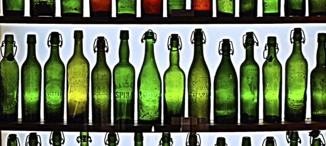 Alcohol advertising increases positive non-conscious alcohol attitudes in heavier drinkers
